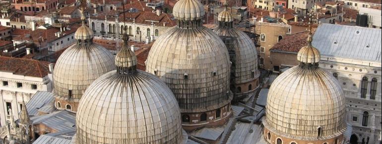 Die Kuppeln des Markusdom