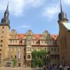 Im Schlossinnenhof findet im Advent die Merseburger Schlossweihnacht statt.