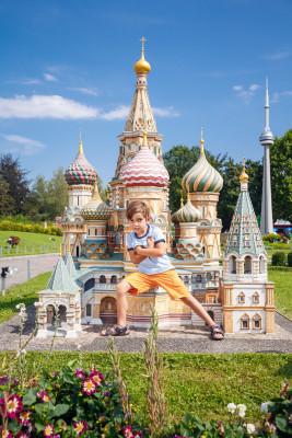 Bestaune die Details der Basilius Kathedrale, die in Originalgröße in Moskau steht!