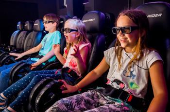 Ein Highlight bei den großen und kleinen Besuchern von Minimundus ist das 4D-Kino im Innenbereich.