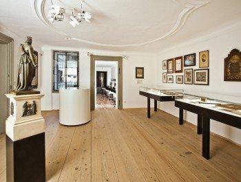 Die Ausstellungsräume in der ehemaligen Wohnung der Mozart Familie.