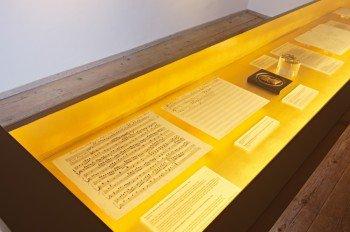 Das Museum zeigt das musikalische Schaffen Mozarts.