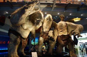 Kommen dir diese drei Trolle bekannt vor? Richtig, man kennt sie aus den Hobbit-Filmen, die in Neuseeland gedreht wurden.
