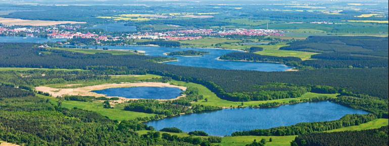 Blick aus der Luft auf den Müritz-Nationalpark