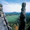 Der bekannteste Felsen des Elbsteingebirges im Nationalpark Sächsische Schweiz ist die rund 47 Meter hohe Barbarine.