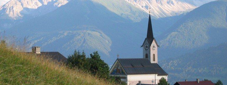 Reither Pfarrkirche mit Panorama