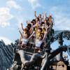 """Als weltweit schnellster Multi-Launch-Coaster rast """"Taron"""" mit Highspeed durch mystische Felsschluchten."""