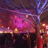 Der Pink Christmas ist nicht nur der kleinste, sondern auch einer der bekanntesten Weihnachtsmärkte der Münchner Innenstadt. Er hat in der Adventszeit täglich bis 22 Uhr geöffnet.