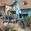 Bäckerei, Post und vieles mehr - das fiktionale Dorf besteht aus insgesamt 19 Holzbauten.
