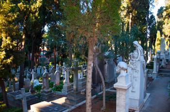 Der Nicht-Katholische Friedhof ist Ruhestätte für zahlreiche Dichter und Denker aus aller Welt.