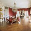 Einige Räume ließ Carl Philipp Fürst von Wrede mit wertvollen Seidentapeten, Bronze und Möbeln aus Paris ausstatten.