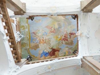 Das Deckenfresko zeigt die Götter im Olymp.