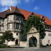 Das spätmittelalterliche Residenzschloss liegt am Rande der schwäbischen Alp.