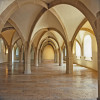 Die gotischen Gewölbe im Erdgeschoss sind ein Blickfang.