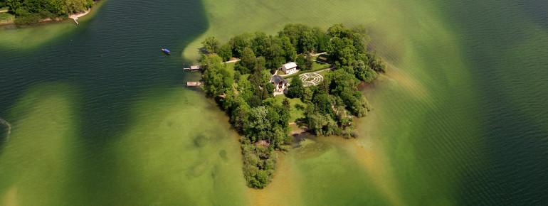 Die Roseninsel ist die einzige Insel im Starnberger See.