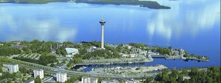 Der Park Särkänniemi liegt auf der gleichnamigen Halbinsel .
