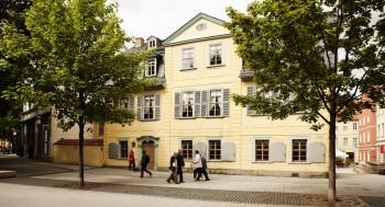 Hier lebte Friedrich Schiller von 1802 bis zu seinem Tod 1805.