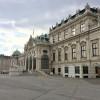 Das Schloss Belvedere umfasst eine große Kunstsammlung.