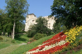 Das Schloss stammt aus dem 13. Jahrhundert