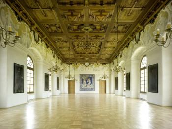 Der Festsaal mit Vestibül kann für verschiedene Veranstaltungen angemietet werden.