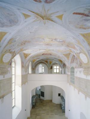 Die Schlosskapelle zieren Deckenmalereien des süddeutschen Protestantismus.