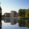 Zusammen mit der ehemaligen Hofkirche und einem der schönsten englischen Landschaftsparks ist das Schloss Ludwigslust einmalig in Norddeutschland.