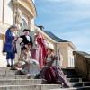 Bei der Führung begleiten dich Caspar Schiller, Maestro Michelangelo Malvolio, Franziska von Hohenheim oder Simonetta