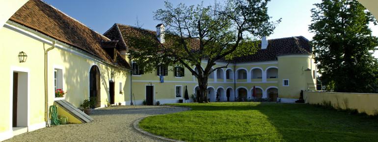 Das Schloss Tabor liegt im Südburgenland.