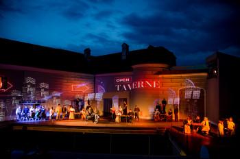 Auf Schloss Tabor findet im Sommer ein Opernfestival statt.