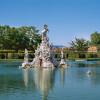 Im Hofgarten befinden sich etwa 300 Skulpturen.
