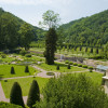 Die noch heute erhaltenen, barock anmutenden Grundstrukturen des Weesensteiner Schlossparks gehen vermutlich auf den Gestaltungswillen der Freiherrenfamilie von Uckermann zurück.