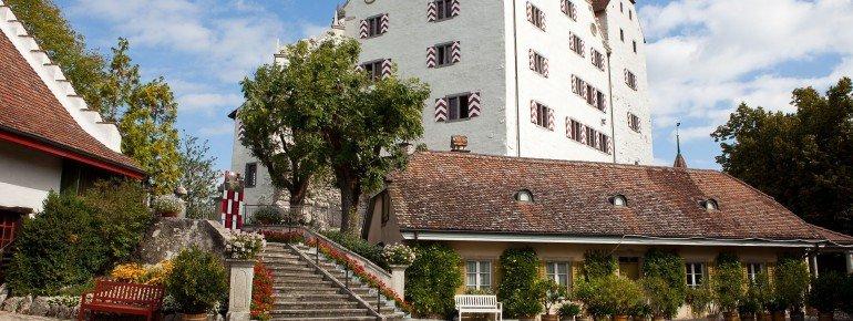 Schloss Wildegg Außenansicht Hof