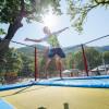 Spaß in luftiger Höhe auf dem Trampolin