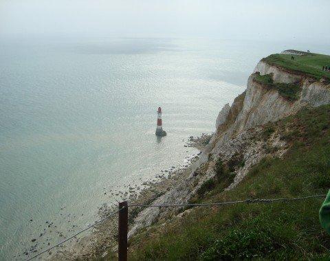 Der Leuchtturm Belle Tout steht immer noch felsenfest im Wasser