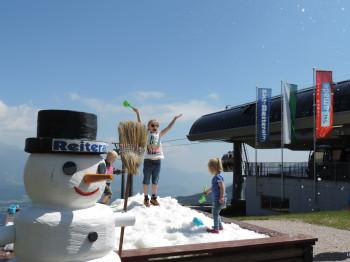 Spaß im Schnee im Sommer