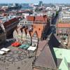 Vom Turm hast du einen tollen Blick auf den Marktplatz.