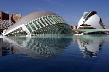 Die Stadt der Künste und der Wissenschaften (Ciudad de las Artes y las Ciencias),ist ein Kultur- und Freizeitzentrum.