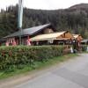 Vor dem See befindet sich ein weiteres kleines Restaurant