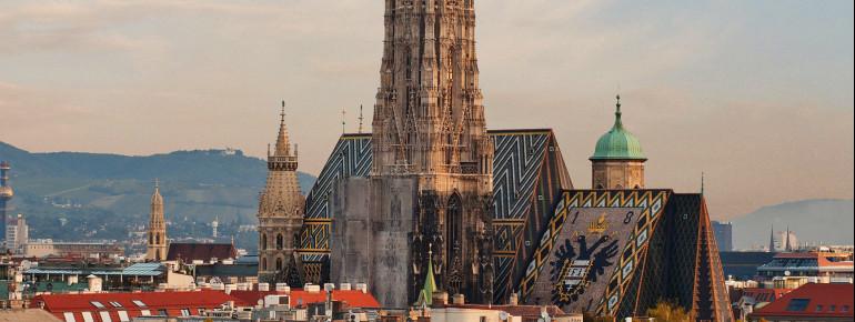 Den Stephansdom mit seinem 136 m hohen Südturm sieht man schon von Weitem.