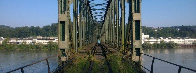 Blick aus Südost auf die alte Brücke