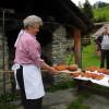 Jeden Freitag gibt's frisches Brot aus dem alten Backofen!