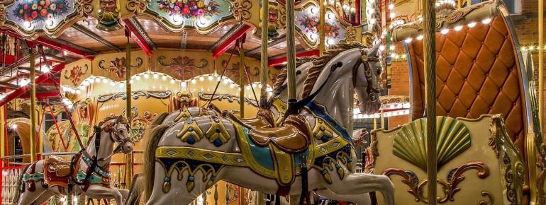 Karussell im Tivoli Vergnügungpark