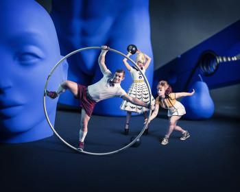 Die Vorführung des Circus Oz ist eines der Highlights auf dem Wintertollwood.
