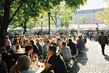 Der Biergarten am Viktualienmarkt sorgt für Erfrischung.