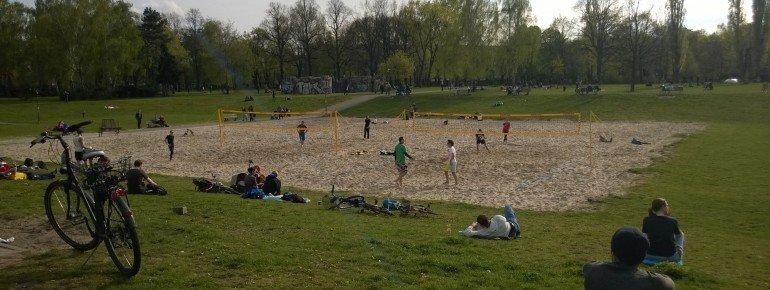 Beachvollballplatz im Volkspark Friedrichshain