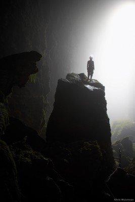 Unter der Erde erwarten dich eindrucksvolle Höhlenlandschaften.