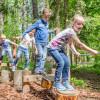In der Walderlebniswelt kannst du deine Balance üben und spielerisch mehr Wissen rund um das Thema Wald erfahren.
