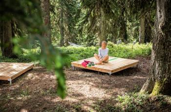 Auch Ex-Skiprofi Alexandra Meissnitzer war schon auf dem Waldwellness-Weg unterwegs.