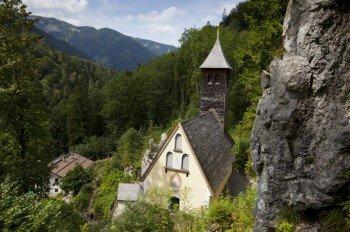 Die Wallfahrtskirche Maria Klobenstein befindet sich unterhalb der Straße nach Bayern