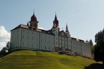 Das Kloster Maria Weißenstein in Petersberg im Eggental